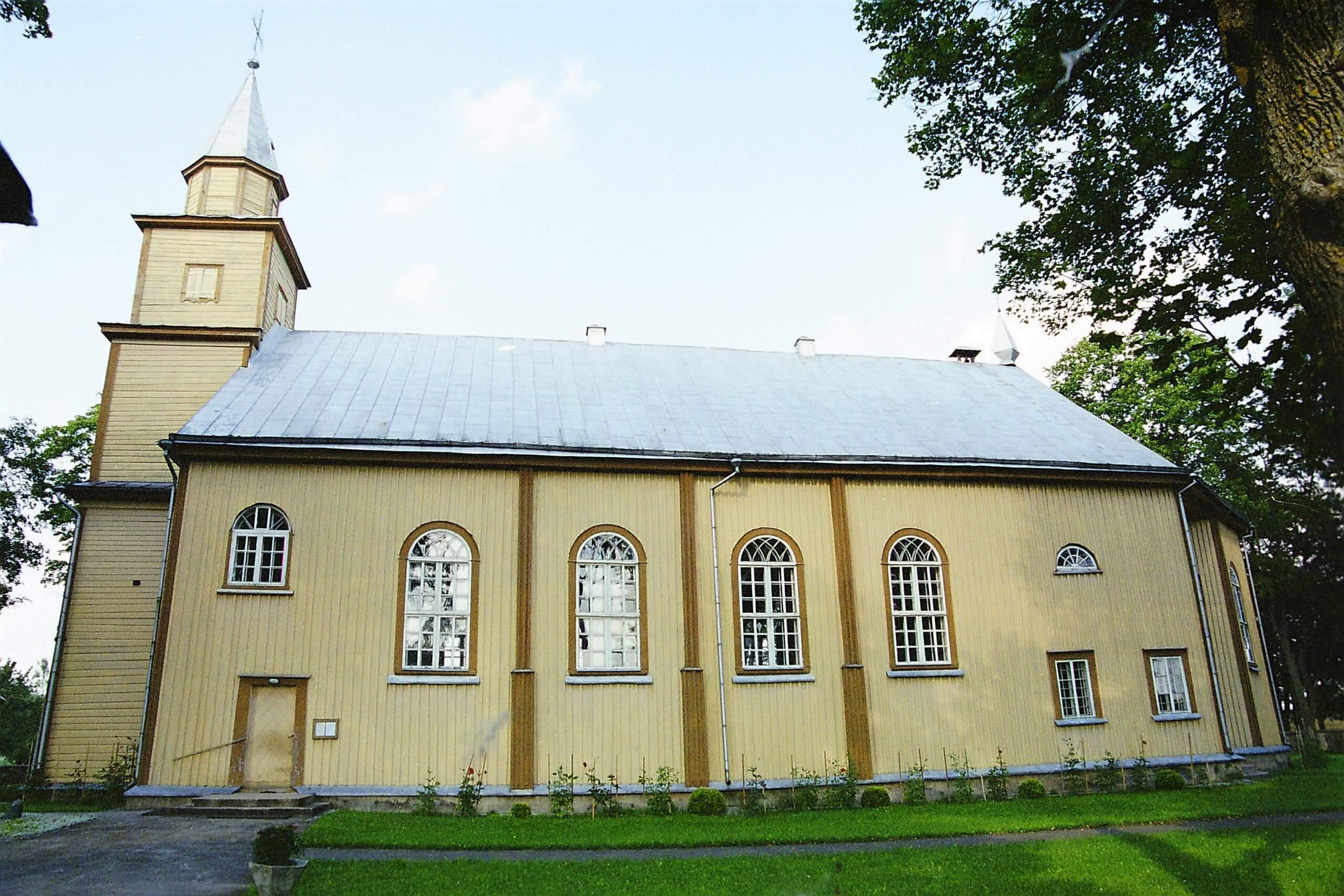 Klovainių Švč. Trejybės bažnyčia (Pakruojo rajonas)